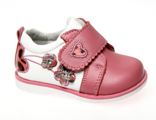 b9f9929cd Adidas (Германия) представляет собой линию детской обуви Adidas Kids,  которая выполнена из высокотехнологичных материалов, обеспечивающих  надёжность, ...